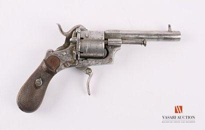 Revolver à broche, calibre 7 mm, bâti gravée...
