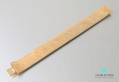Bracelet souple à maille plate en or jaune...