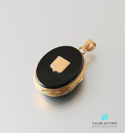 Pendentif médaillon porte-photo en or jaune...