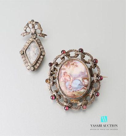 Deux bijoux fantaisie fin XIXème siècle en...