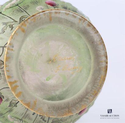 DAUM Nancy Vase soliflore à long col à décor polychrome dégagé à l'acide d'un paysage...