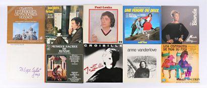Lot de dix vinyles : - Chants liturgiques...