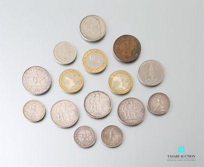 RUSSIE Lot de quinze pièces russes dont 8...