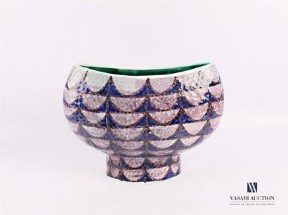 FASCA NOVE Vase de forme navette en faïence...