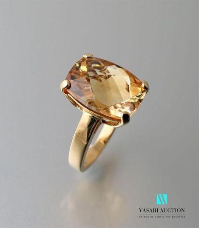 Bague en or jaune 750 millièmes sertie d'une...