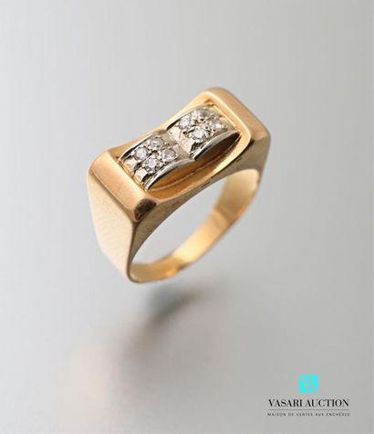 Bague en or jaune 750 millièmes années 40,...