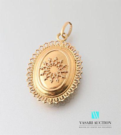 Pendentif médaillon ouvrant en or jaune 750...