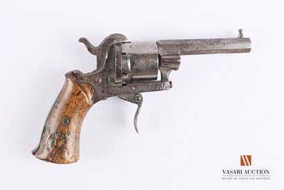 Revolver à broche, canon octogonal, barillet...