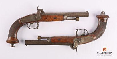 Paire de pistolets d'officier sur le modèle...