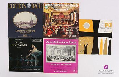 Lot de 26 vinyles : - Edition Bach Clavier-Ubung...