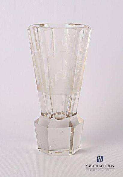 Verre dit « canon » maçonnique en verre fuselé...