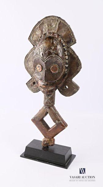 KOTA - GABON Reliquaire avec plaques de métal...