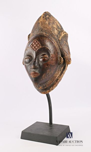 PUNU - GABON Masque féminin noir en bois...