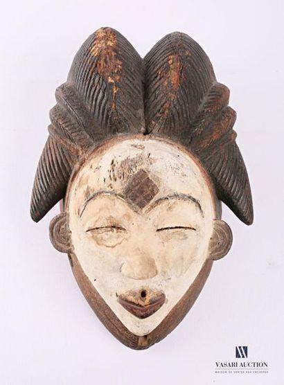 PUNU - GABON Masque fémin blanc en bois sculpté...