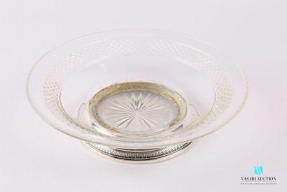 Assiette montée en cristal moulée ornée d'une...