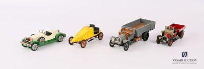 MATCH BOX - RIO Lot de quatre véhicules :...