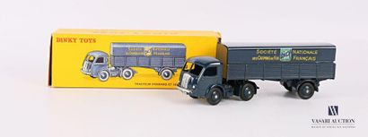 DINKY TOYS Tracteur Panhard et semi-remorque...