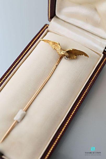 Epingle en or jaune 750 millièmes à motif...
