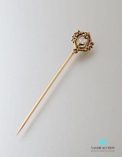 Epingle XIXème siècle, en or jaune 750 millièmes,...