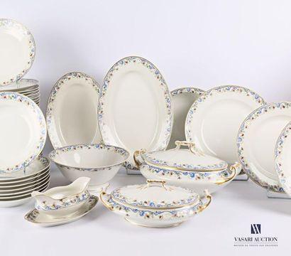 LIMOGES Service de table en porcelaine blanche,...