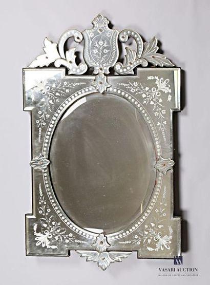 Miroir vénitien de forme rectangulaire à...