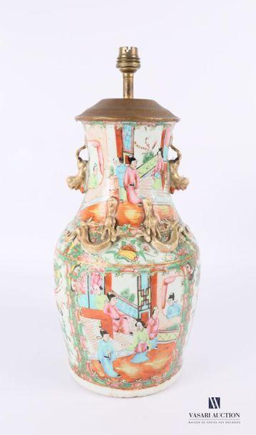 CHINE - Canton Pied de lampe en porcelaine...