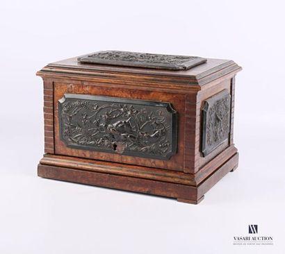 Boîte à cigares en bois à décor de quatre...