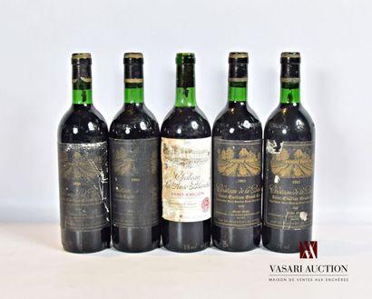 Lot de 5 bouteilles comprenant : 4 bouteillesChateau...