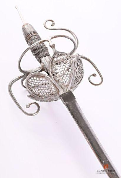 Épée , lame de 86 cm, Solingen fin XIXème,...