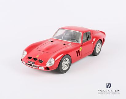 BURAGO (Italie)  Voiture 1/18 Ferrari GTO...