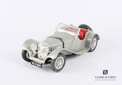 BURAGO (Italie)  Voiture 1/18 Jaguar SS 100...