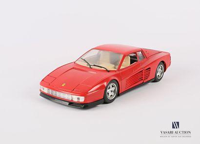 BURAGO (Italie)  Voiture 1/18 Ferrari Testarossa...