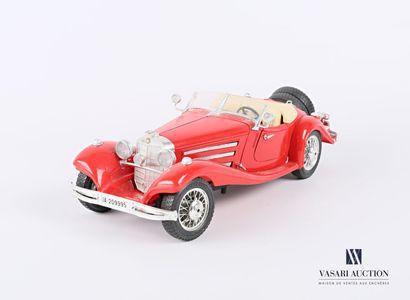 BURAGO (Italie)  Voiture 1/20 Mercedes Benz...
