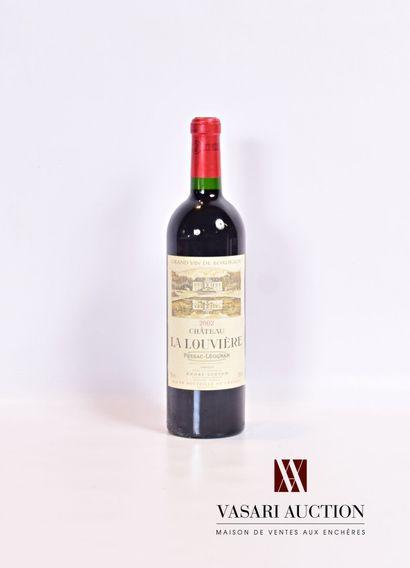 1 bouteilleChâteau LA LOUVIÈREGraves 2002...