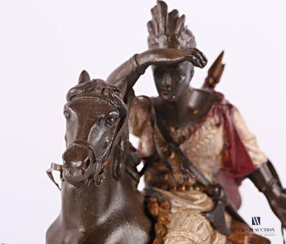 Cavalier apache  Régule à patine polychrome  Socle en onyx  (éclats au socle)  Haut....