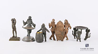 Lot de quatre sujets en régule et bronze...