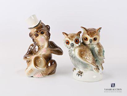 Lot comprenant deux veilleuses en porcelaine...