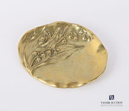 Vide poche en bronze à décor en relief de...