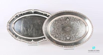 Lot de deux plats de forme ovale en métal...