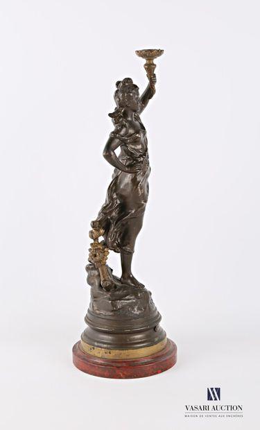 MOREAU Auguste (1831-1893) d'après  Paquerettes  Régule à double patine  Socle en...
