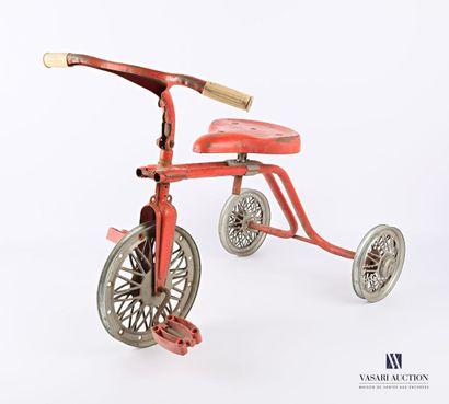 Tricycle en métal et plastique de couleur...