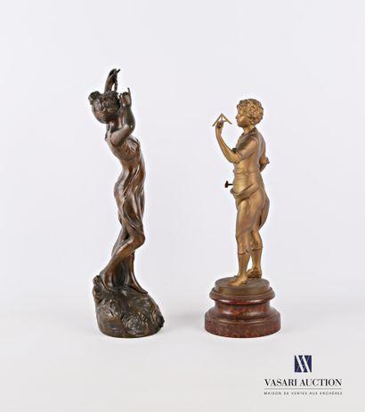 GOYEAU L.  Sujet en métal figurant une jeune femme drapée  Haut. : 36,5 cm  (accidents...