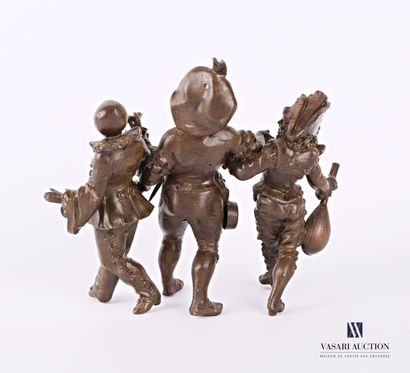 Subject in brown patina representing a scene from the comedia de l'arte with Pierrot...