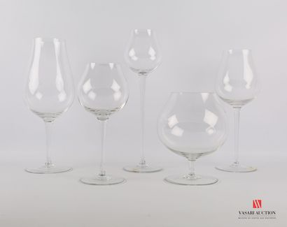 Lot en verre cristallin comprenant cinq verres...