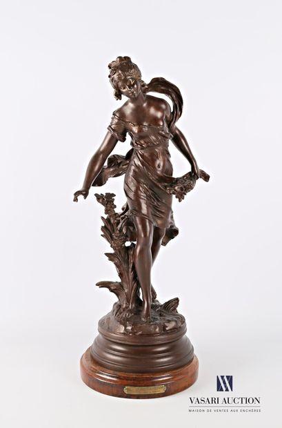 MOREAU Auguste (1831-1893) d'après  La chasse aux papillons  Régule à patine brune...