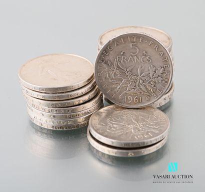 Lot de vingt pièces en argent de 5 francs,...