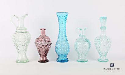 Lot en verre bullé comprenant deux carafes,...