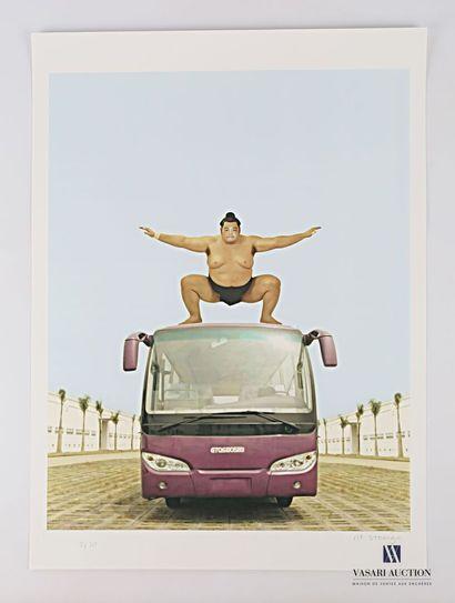 MR. STRANGE (XXème siècle)  Le bus japonais...
