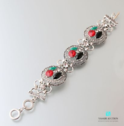 Bracelet en métal orné de trois médaillons...