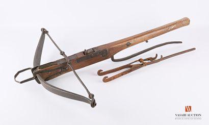 Arbalète, arbrier bois de 76 cm, arc acier...